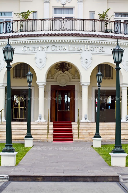 country-club-lima-hotel-entrada