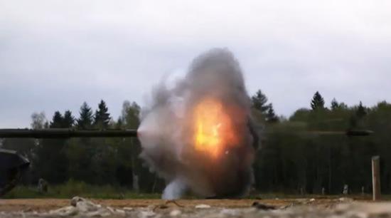 camara-lenta-proyectil-lanzado-tanque-t-90