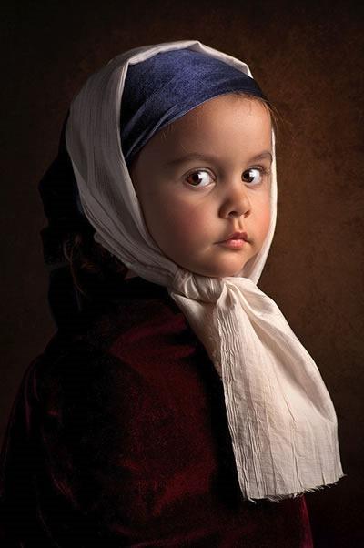 fotografo-retrata-a-su-hija-al-estilo-de-las-pinturas-clasicas