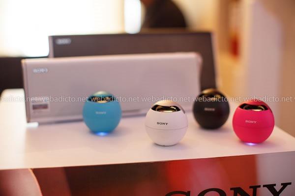 parlantes portátiles con tecnología NFC y Bluetooth Sony SRS-BTV5
