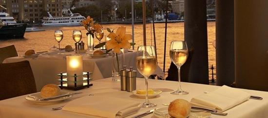 quay-grand-suites-hotel-04