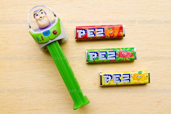 review-pez-buzz-ligthyear-and-hello-kitty-10