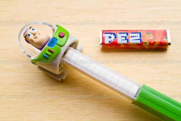 review-pez-buzz-ligthyear-and-hello-kitty-15
