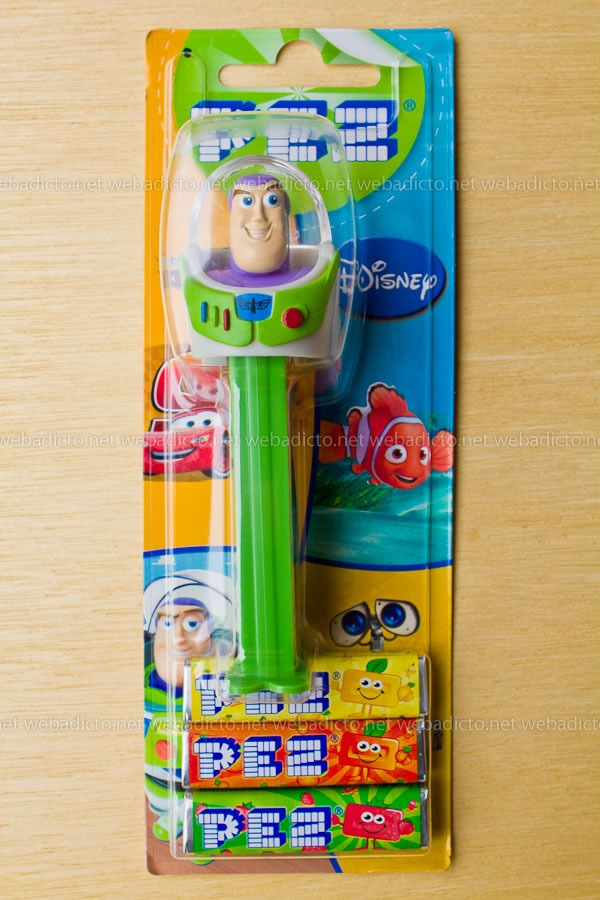 review-pez-buzz-ligthyear-and-hello-kitty-2
