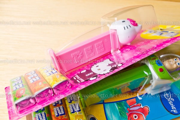 review-pez-buzz-ligthyear-and-hello-kitty-7