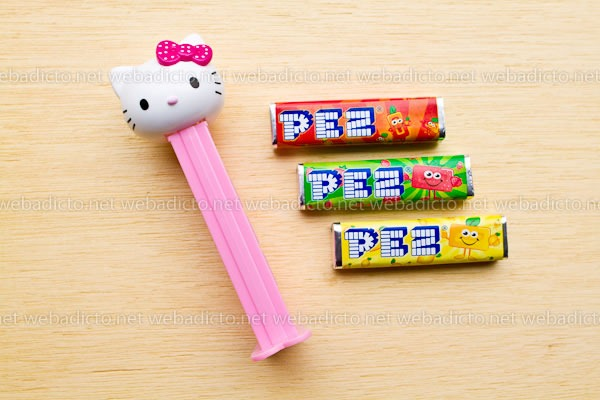 review-pez-buzz-ligthyear-and-hello-kitty-9