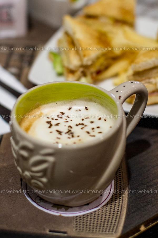 review-sofa-cafe-10