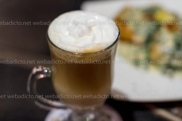 review-sofa-cafe-9