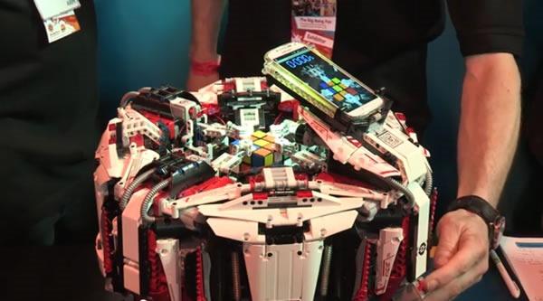 robot lego arma cubo rubik